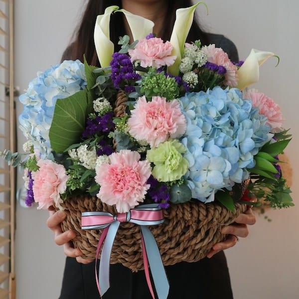 Buying Flowers at Flower Gift Korea
