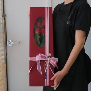 12 Long Stem Roses in Box Main