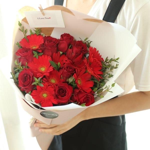 Fiery Love Flower Bouquet - Flower Gift Korea - 330+ 5 Star Reviews ...