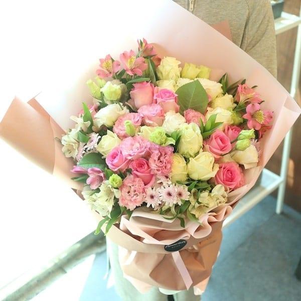 Flower Seoul Super Pink Light Flower Bouquet for Delivery