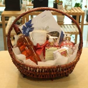 Gift Basket Delivery to Korea Wine Set B