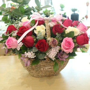 Flower Seoul Delivery Large Mixed Rose Basket Main