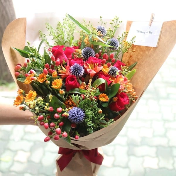 Dangerous Love Flower Bouquet - Flower Gift Korea - 330+ 5 Star ...