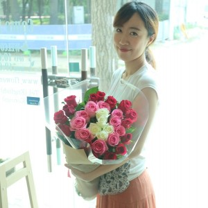 Flower Shop Seoul Mixed Color Long Stem Rose Bouquet