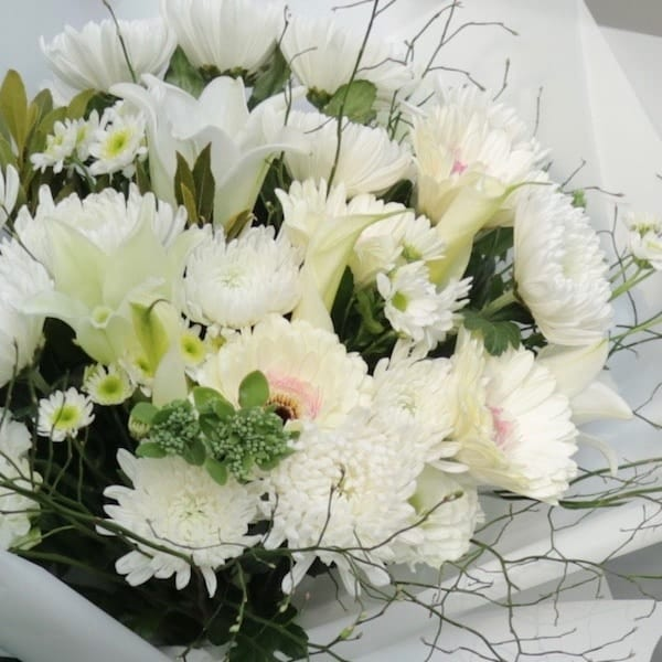 My Condolences Flower Bouquet - Flower Gift Korea - 330+ 5 Star ...