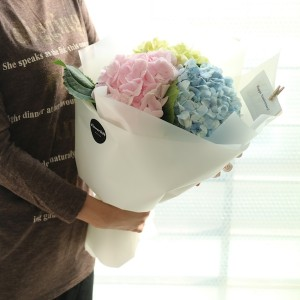 Flower Gift Korea mixed hydrangea bouquet with Korean Florist posing