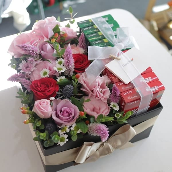 Flowers and pepero box flower gift korea 330 5 star reviews zoom images negle Gallery