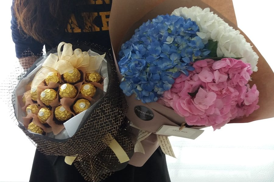 Mixed Hydrangea Bouquet - Flower Gift Korea - 330+ 5 Star Reviews ...