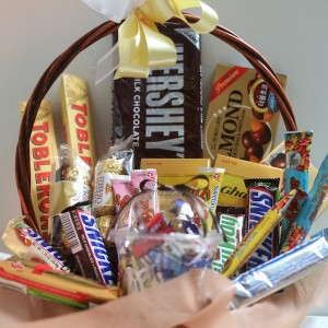 flower-gift-korea-chocolate-basket-a-1