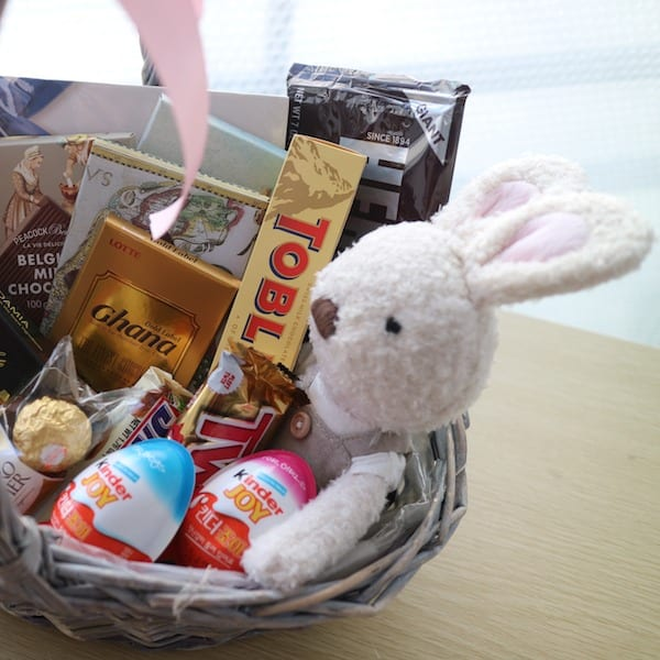 Flower Gift Korea Chocolate and Stuffed Toy Basket Hand Delivery