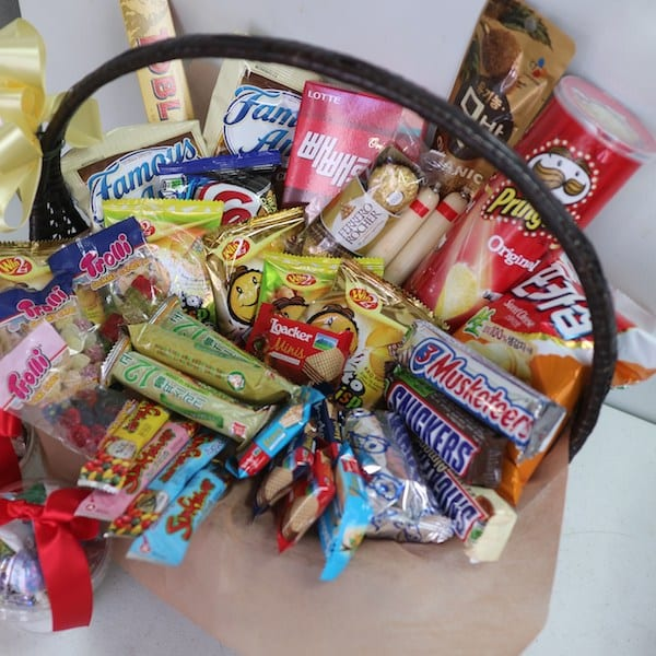Flower Gift Korea Snack Basket Hand Delivery