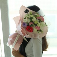 Flower bouquet sent to Seoul and other areas of South Korea