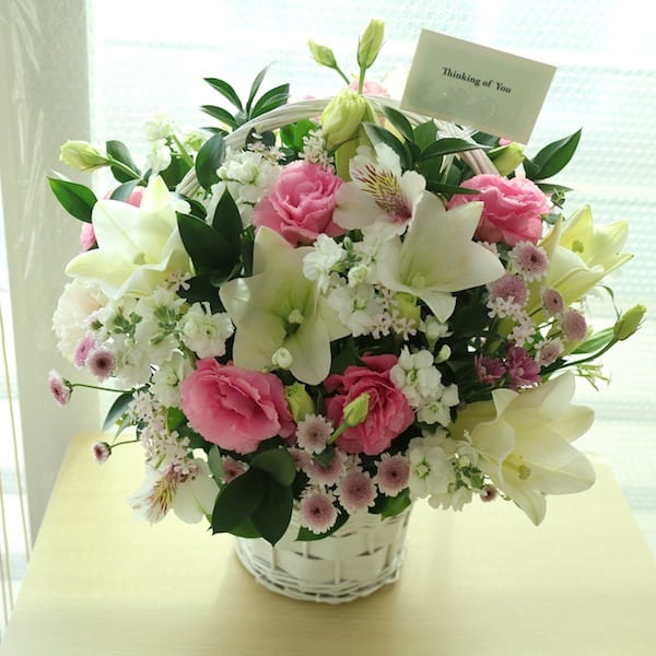 Pretty and white flower gift korea 330 5 star reviews same day flower gift korea flower delivery korea mightylinksfo Image collections