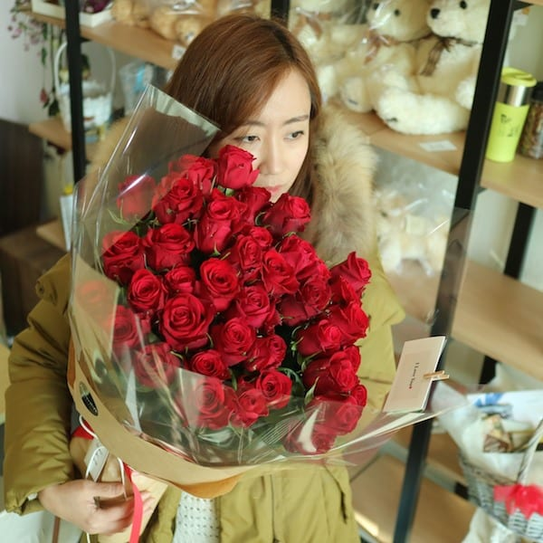 flower-gift-korea-long-stem-roses-Korea