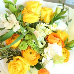 Flower Shop Seoul Korea Roses and Rununculus bouquet