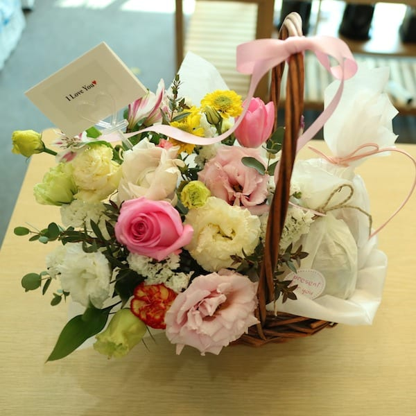 Flower and Candy Basket A - Flower Gift Korea - 330+ 5 Star Reviews ...
