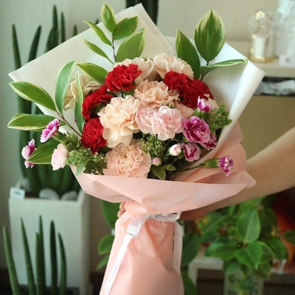A Mixed Carnation Bouquet - Flower Gift Korea - 330+ 5 Star Reviews ...