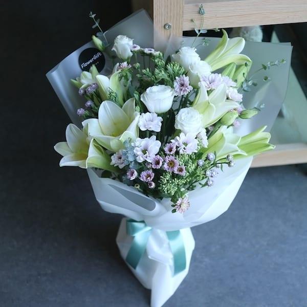 Lily Flower Bouquet - Flower Gift Korea - 330+ 5 Star Reviews, Same ...