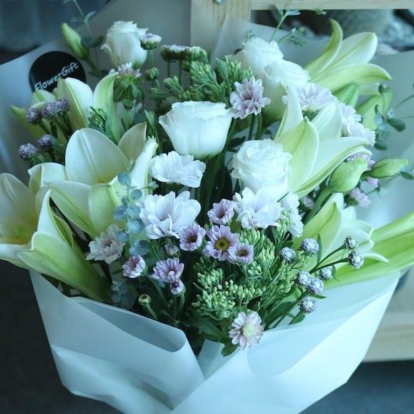 Lily Flower Bouquet - Flower Gift Korea - 350+ 5 Star Reviews, Same ...